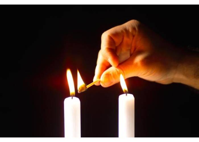 Rebecca Levitant. Shabbat Candles
